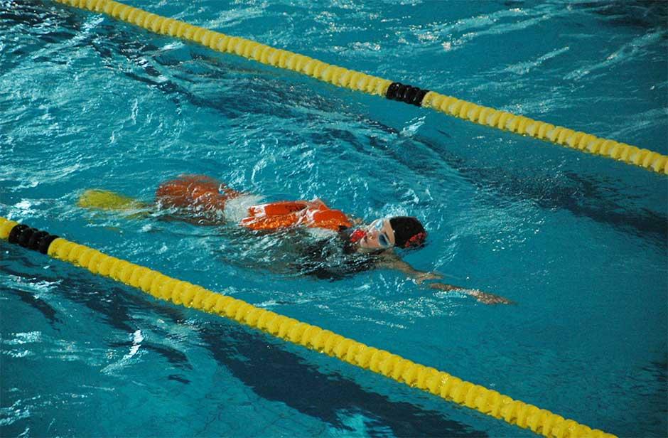 La piscina municipal acoge una exhibici n de salvamento for Piscina moralzarzal