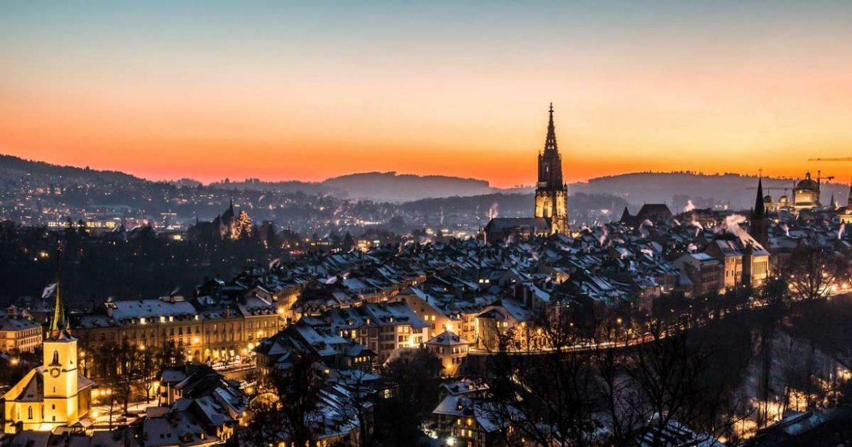 Panorámica de Berna por la noche