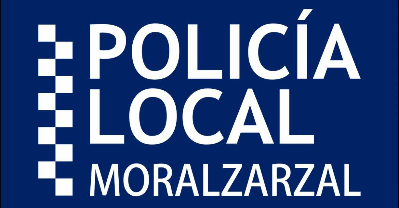 Logo de la Policía Local de Moralzarzal con texto en blanco sobre fondo azul