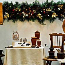 Un escaparate con motivos navideños