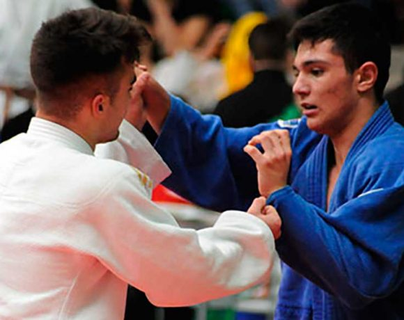 dos judokas en un combate
