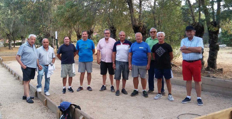 Participantes del torneo de petanca de fiestas de Moralzarzal