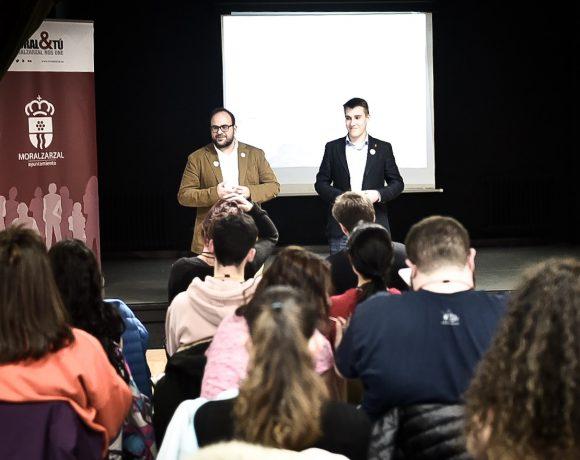 El concejal Ángel Martínez en los Encuentros Gurugú 2019
