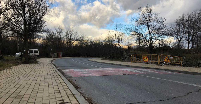 Carretera M-615 a su paso por Moralzarzal