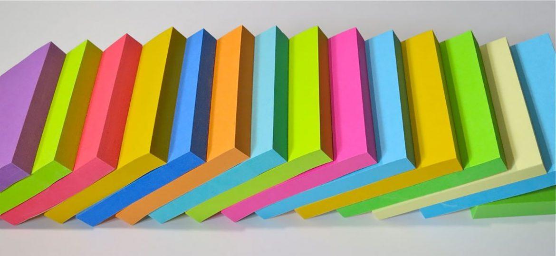 tacos de post it de colores