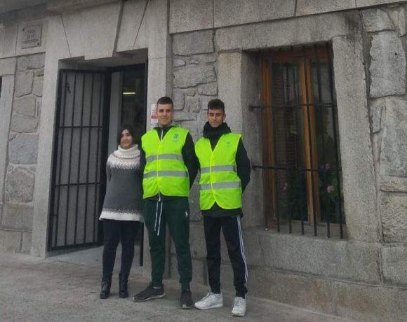 Los tres alumnos del Colegio Leonardo da Vinci que han hecho las prácticas