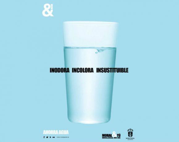 Campaña de ahorro de agua con un vaso