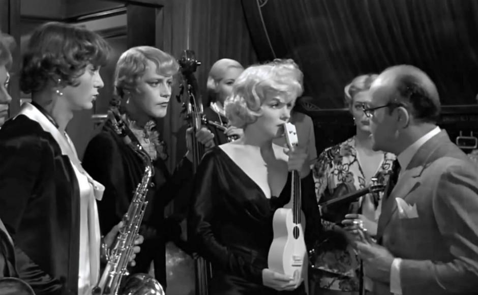 10 films en B & N Con-faldas-y-a-lo-loco-1