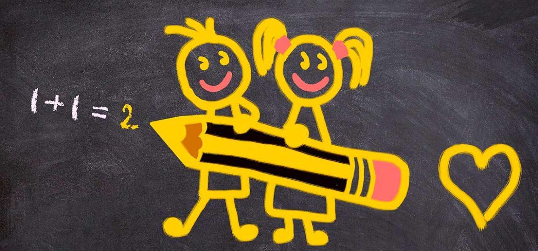 Monigotes de niños pintados en una pizarra