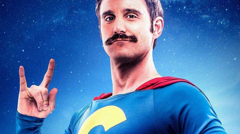 Dani Rovira caracterizado como SuperLopez