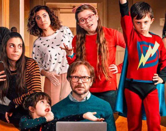 foto promocional de la película con Santiago Segura
