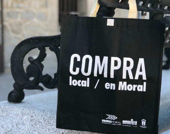 Bolsa de compra con el lema Compra Local Compra en Moral