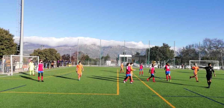 Partido de fútbol femenino en Moralzarzal