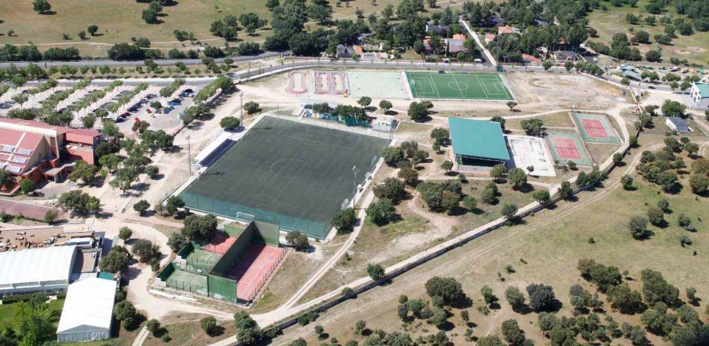 Vista aérea del polideportivo municipal de Moralzarzal