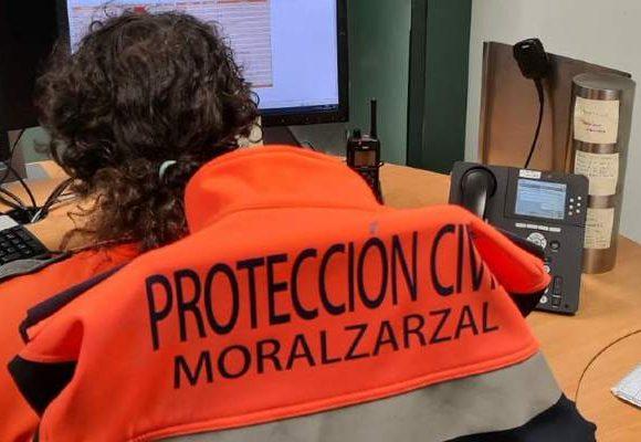 Un voluntario de Protección Civil de Moralzarzal